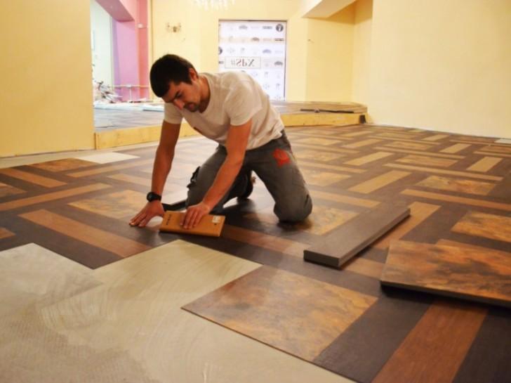 Виниловая плитка на полу