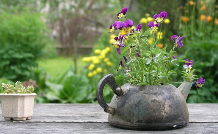 Как разнообразить свой сад собственноручными поделками