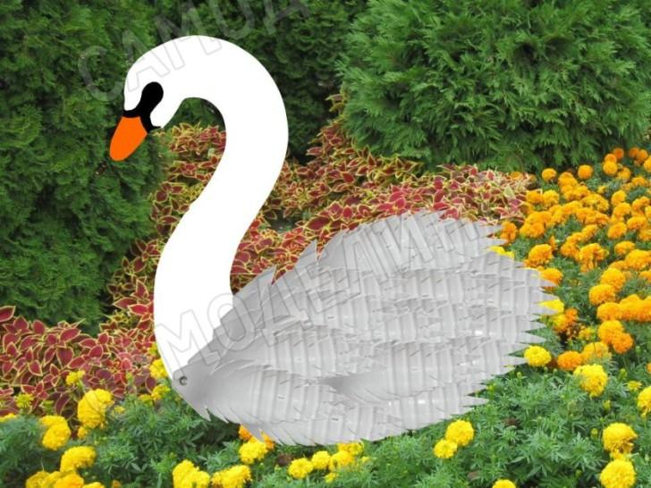 Лебедь из пластиковых бутылок