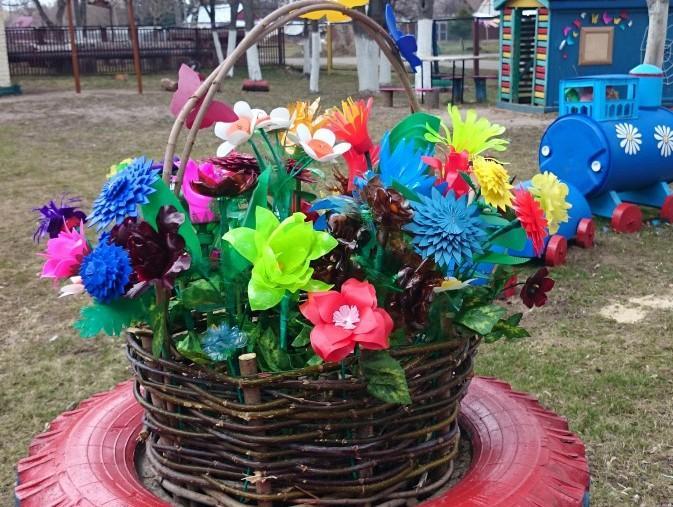 Как сделать цветы из пластиковых бутылок{q} 4 мастер-класса с фото