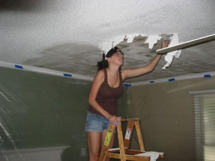 Очистка потолка от побелки: как отмыть побелку с потолка, как правильно смыть мел, как быстро убрать побелку, размыть, очистить потолок