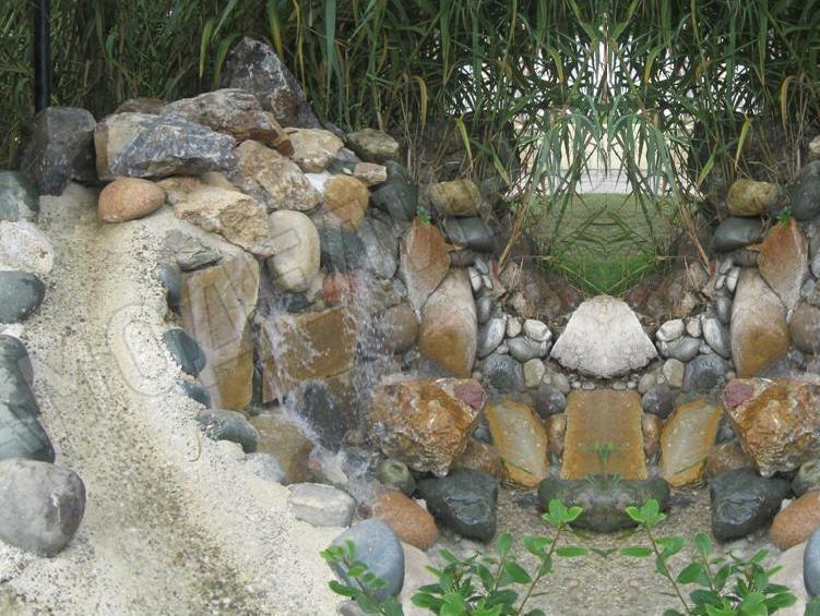 Ручей из камней